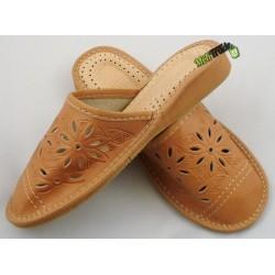 3ca4bc369c2de Damskie skórzane rozmiar 39 klapki kapcie ciapy laczki góralskie łapcie  pantofle domowe zakryte palce