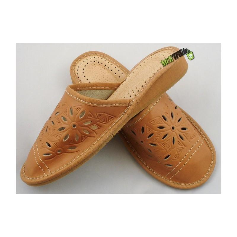 0889b53d9af60 Damskie skórzane rozmiar 40 klapki kapcie ciapy laczki góralskie łapcie  pantofle domowe zakryte palce ...